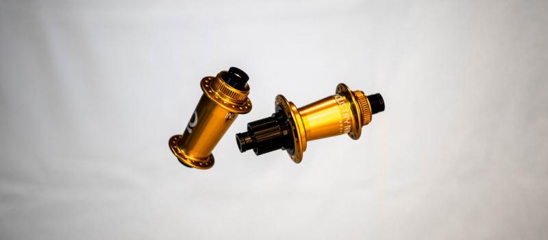 Gold i9 Hubs